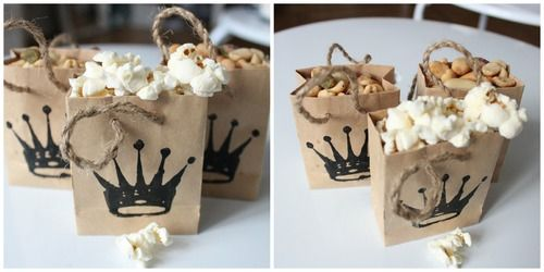 Paper bag snackin! Make these cute paper bags  and serve snacks in them!