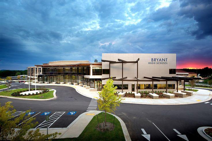 Bryant High School - larson ® - Bryant, Arkansas (USA)