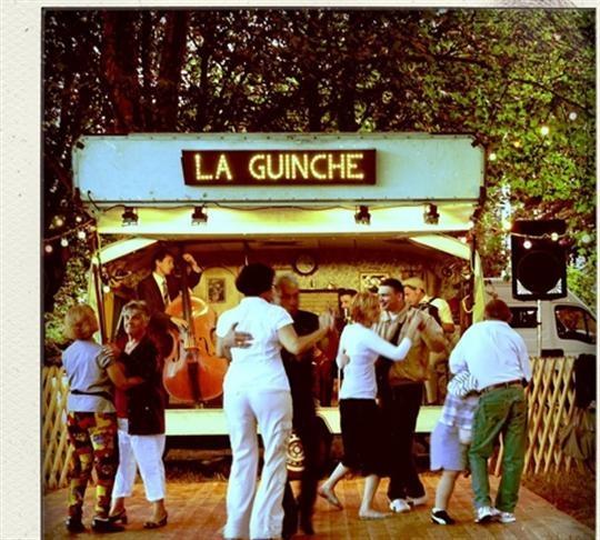 GUINGUETTE http://www.lepays.fr/fr/images/EEE1BDE5-1390-41A7-8385-2472DC49175F/PAY_03/la-guinguette-a-roulette-en-fera-danser-plus-d-un-dr.jpg