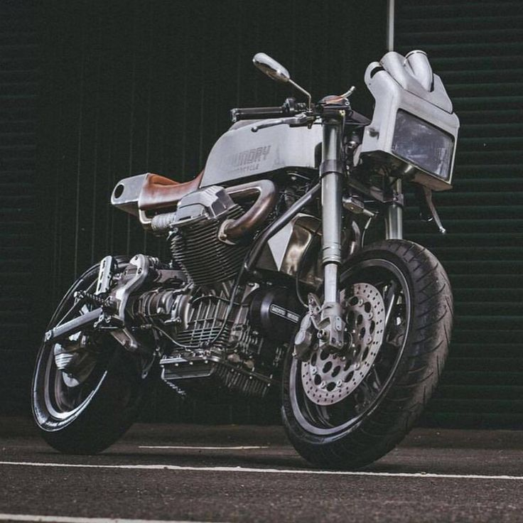 'The Pipeline' by @foundrymotorcycle is far from your average Moto Guzzi 1100 Sport. Thanks for sharing! . Photo by @chrislanaway. . . #croig #caferacersofinstagram #motoguzzi #caferacer