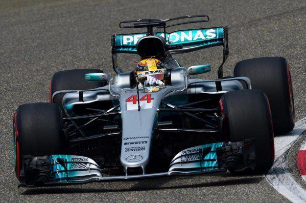 Hamilton znów przed Vettel, już jutro drugi wyścig F1 tego sezonu https://www.moj-samochod.pl/Sporty-motoryzacyjne/Hamilton-startuje-z-pierwszego-miejsca #F1 #f1china #ChineseGP