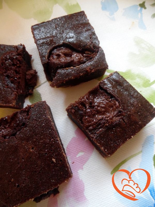Brownies alla nutella http://www.cuocaperpassione.it/ricetta/00381f4c-9f72-6375-b10c-ff0000780917/Brownies_alla_nutella