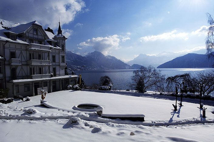 Park Weggis. On the banks of Lake Luzern and surrounded by the Swiss Alps any stress vanishes. #relaischateaux #wellness #switzerland #snow #winter