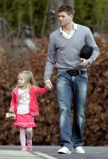 Steven Gerrard walking his daughter to school.  Too adorable for words.