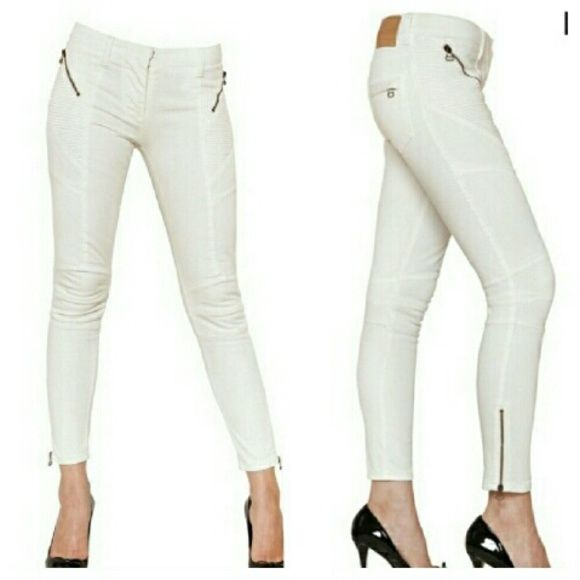 "Pierre Balmain White Skinny Jeans w/Zips Mint.  Inseam 27"" 8"" rise Waist is 30"" Low rise stretch cotton blend Made in Italy BALMAIN 42 (Like a US 28) Balmain Jeans Skinny"