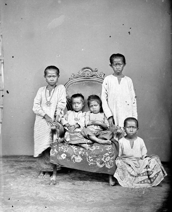Buginese children