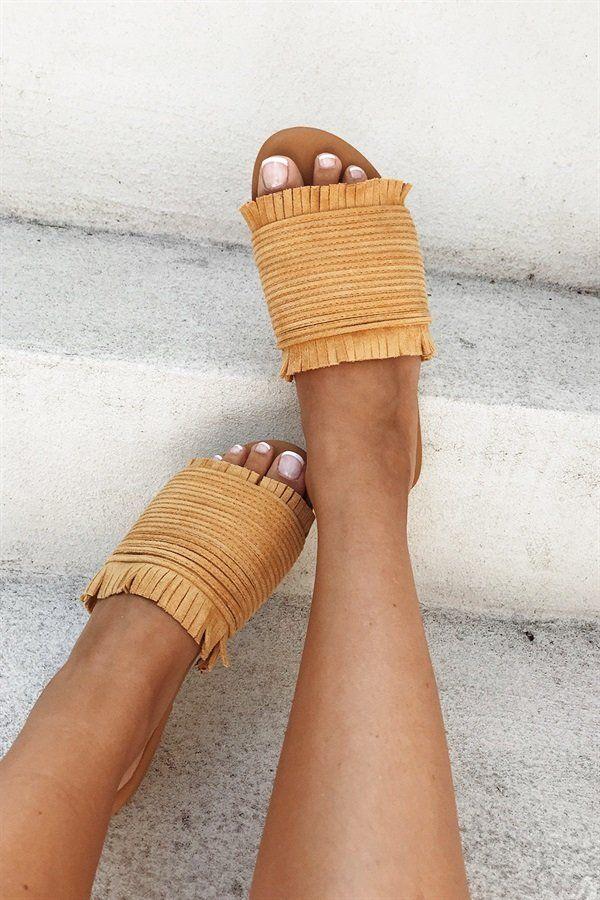 Mustard Frayed Slides #SaboShoes #SaboSkirt