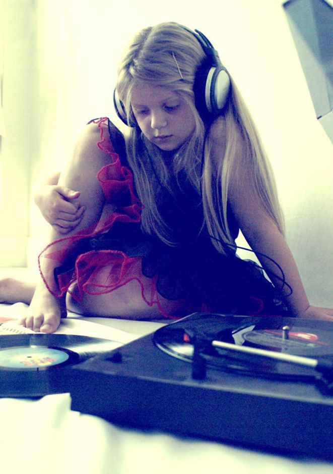 young girl with record player and headphones. #headphones #recordplayer #music http://www.pinterest.com/TheHitman14/headphones-microphones-%2B/
