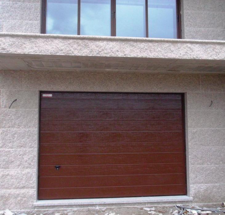 Puertas Seccionales Para Garaje Novoferm Iso 45 Novoferm Puertas De Garaje Garaje Puertas