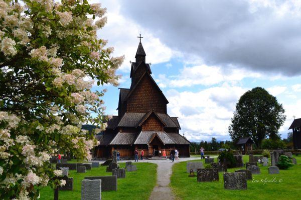 Heddal stavkirke (Foto Seljordslia)