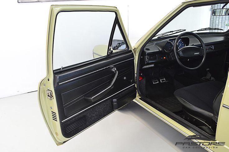 VW Passat LS 1980 . Pastore Car Collection              VW Passat LS 1980/1980 na cor Verde Pampa! Lindo veículo para colecionador, lacrado, com certificado de automóvel de coleção (placa preta). Carro impecável, todo original! Possui manual do proprietário, cópia da nota fiscal de compra com data de 21/02/1980.  Motor de combustão interna, 1.5 Litros (1471cm³) a quatro tempos arrefecido a água, instalado na parte dianteira do veículo, em sentido longitudinal e oblíquo, potência de 78cv a…