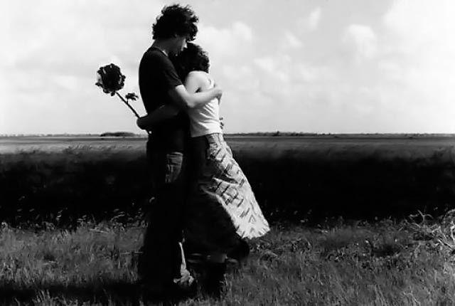 Σκέψεις : Αν δεν μ'αγαπάς απόλυτα, μην μ'αγαπάς καθόλου