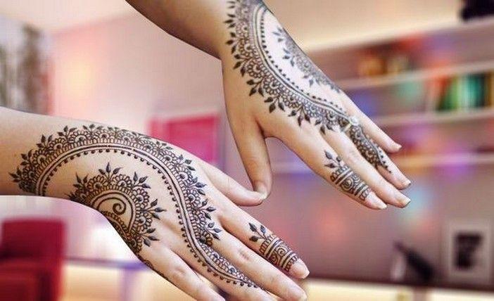 Christmas Mehndi Designs for Hands