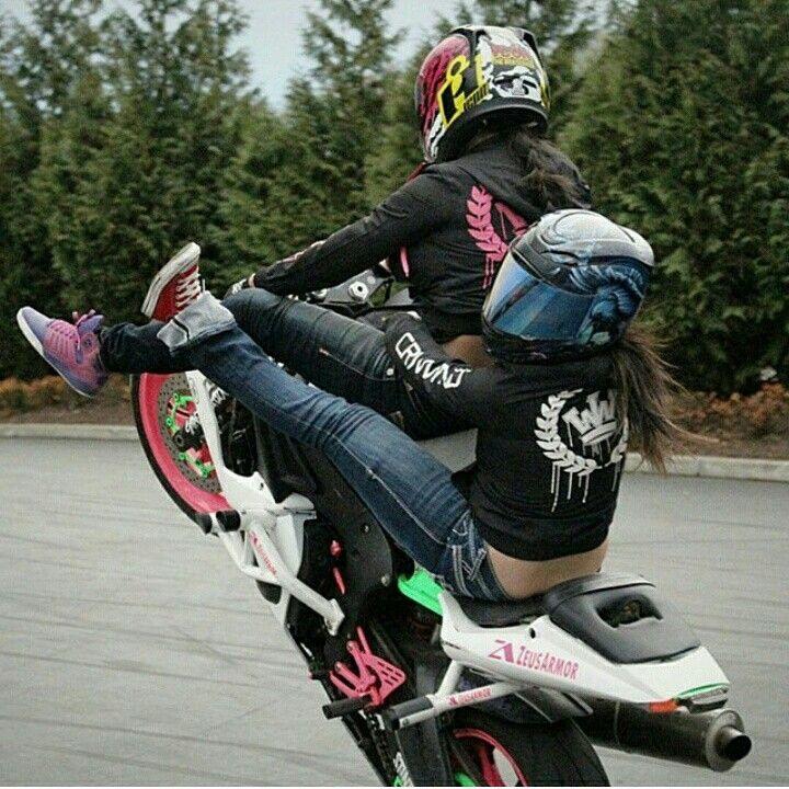 Sponsored Rider @drea253stunts and tandem partner @baileejoyy throwing down the double spreaders on Drea's ZeusArmor equipped R6S #zeusarmor #dowork #yamaha #r6s #stunt