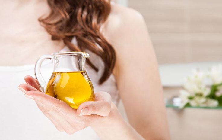 Aceite de chía para el cuidado de piel. Los ácidos grasos omega 3 ALA y omega-6 como tópicos, donde el  aceite de chía tiene un montón, podría contribuir a reforzar la epidermis.  Al aplicar directamente el aceite de chia sobre la piel, se estarían entregando estos poderosos nutrientes de forma directa, reforzando la membrana celular, mejorando la textura y la calidad de la piel.