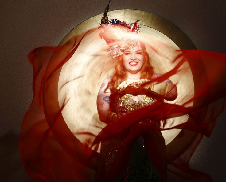 Bettie Blackheart / Tropical / Burlesque / Photo Mika Pollari