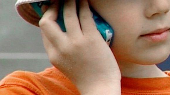 Lastenpsykiatri: Raivaa lapselle tilaa rauhoittua – pari tuntia ilman härpäkkeitä ei tee pahaa. Lue artikkeli!
