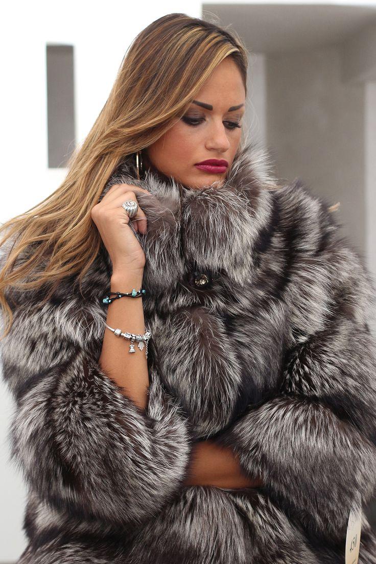 fur coat - Literoticacom