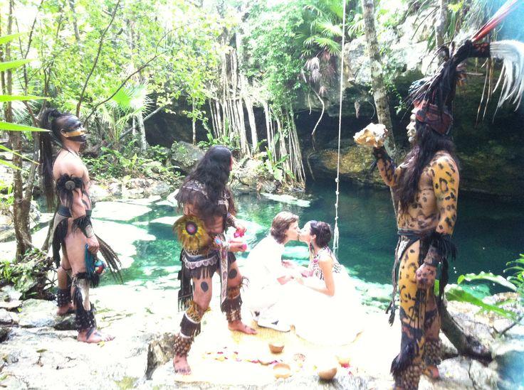 Mayan wedding in the Cenote area in riviera maya Mexico for info : Info@whitechicwedding.com