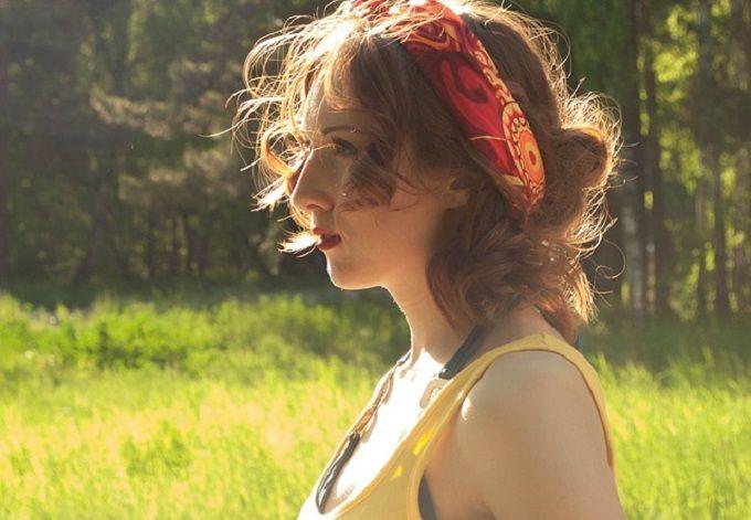 L'été est bien là. Et le soleil qui me brûle la peau est la pour me le rappeler. C'est le moment de préparer sa peau au soleil. Avec mes 5 conseils, découvrez ce qu'il faut savoir...