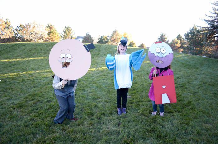 regular show costumes mordecai pops benson characters simple tv show masks diy halloween costumes kids easy cardboard paint