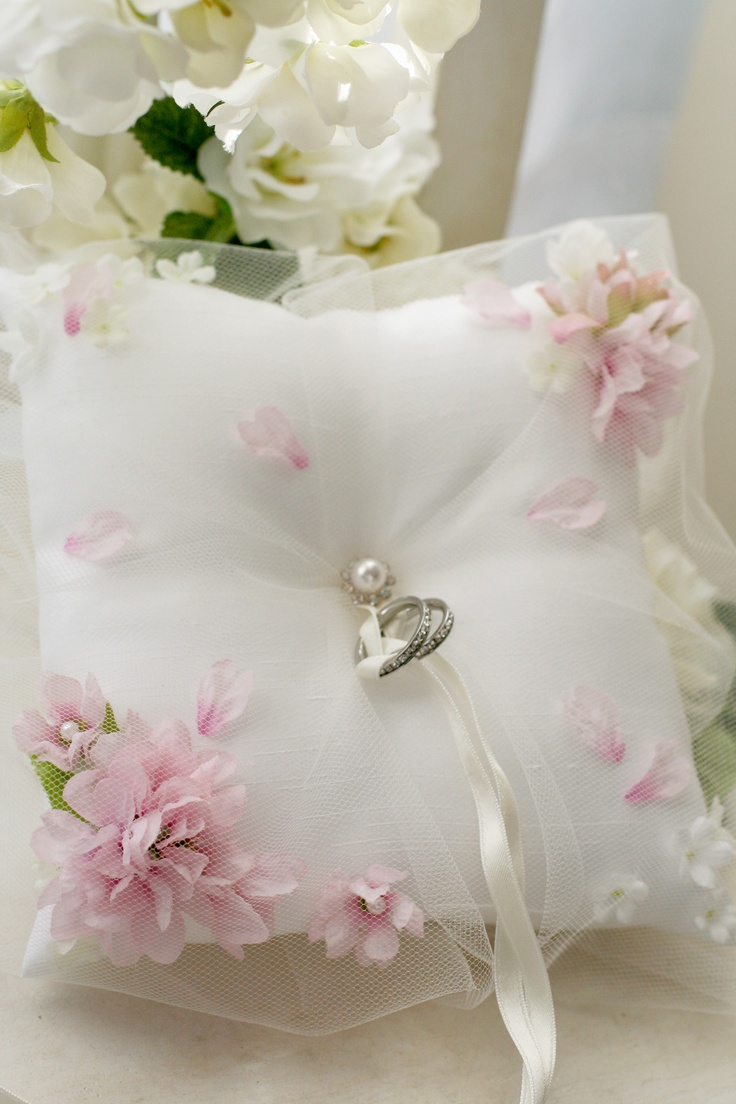 Ringpillow cherry blossoms1