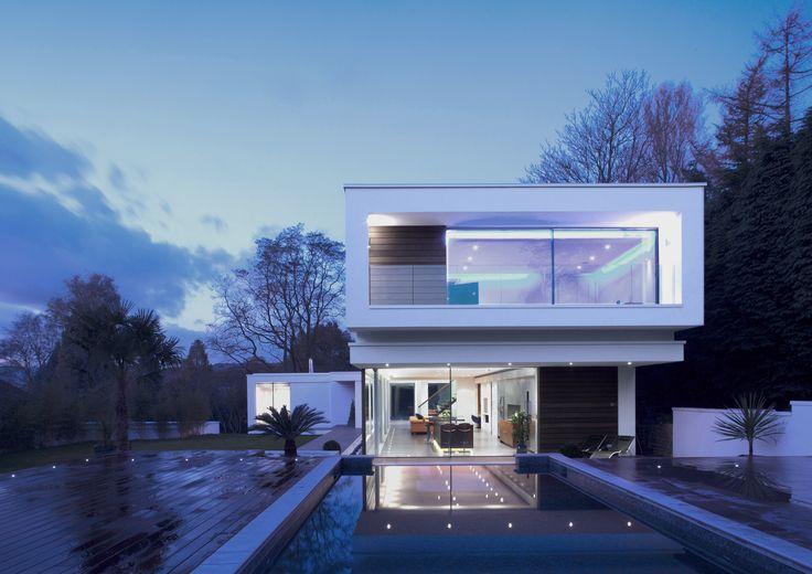 #White, #modern, #Surrey, #Lodge, #swimming, #Pool