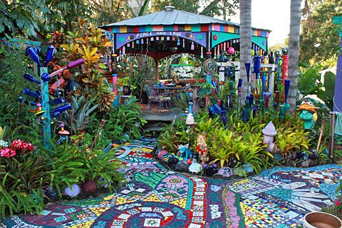 I would LOVE to have an outdoor space this colorful and fun!