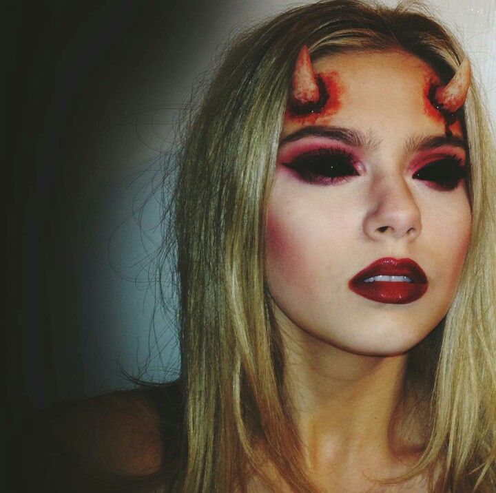 Devil halloween makeup red horns