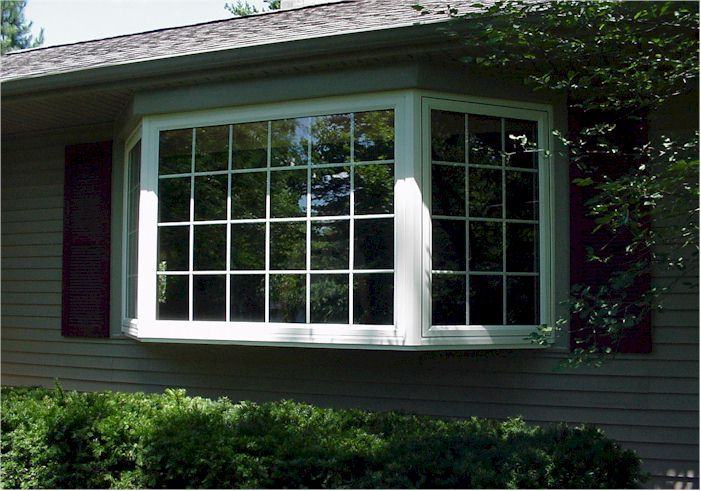 Bay window theses style of windows add light and extra for Fenetre bay window