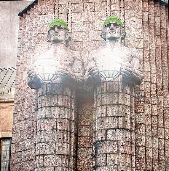 Twin statues at Helsinki railway in Finland 8×8 – #8X8 #Finland #Helsinki #railway #statues #Twin #xfinland
