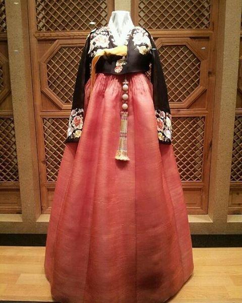 #조옥란 #한복 #한복드레스 #조옥란한복  #패션 #한복스타그램 #패션스타그램 #일산한복 #일산 #clothes #hanbok #hanbokkorea #korea #korean