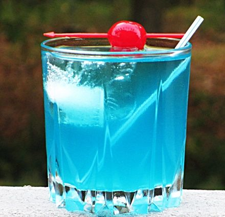 Blue Valium (2 oz Vodka 1 oz Blue Curacao 2 oz Sprite 1 oz Sweet & Sour Mix)