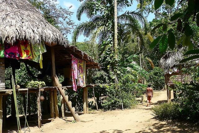 Panama - Chagres Park - Embera Puru Indianen