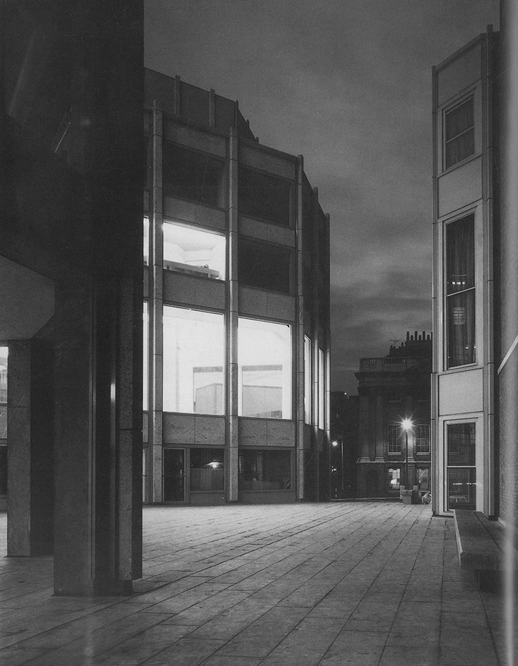 Alison and Peter Smithson. The Economist Building, London. 1959-1964.