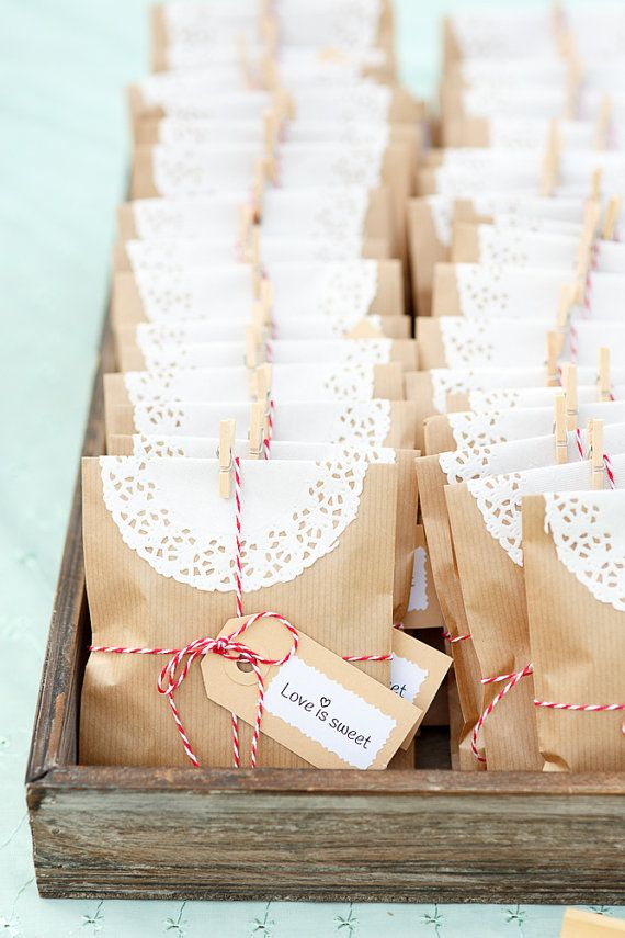 Vintage Wedding Gift Bags, Thank You Gift Bags, Brown Kraft Merchandise Paper Bags with gift tag