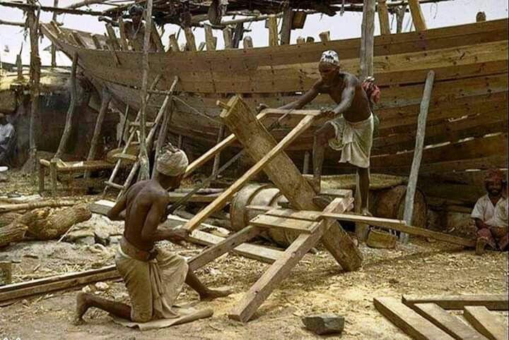 صناعة السفن الخشبية بالمعلا دكه عام 1964م Wood Crafts Texture