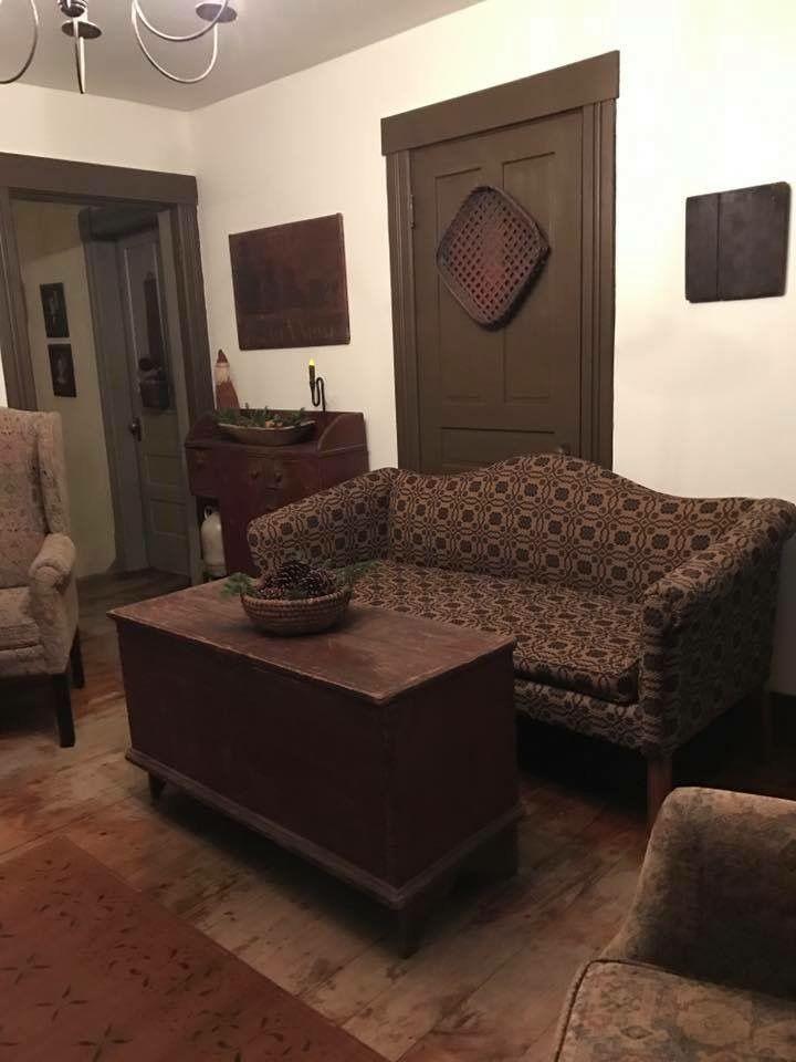 Love The Dark, Olive Green Trim Color. Wow! Primitive Living RoomPrimitive  ... Part 41