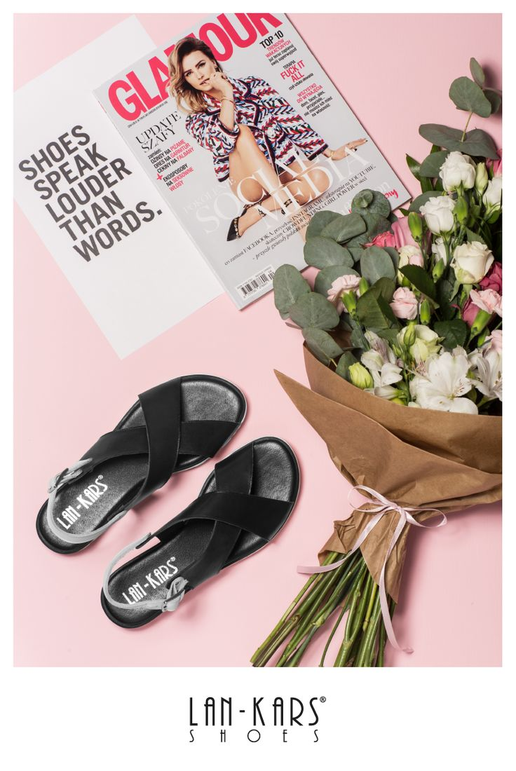 Stylowe, minimalistyczne sandałki.  #sandals #shoes #black #silver #pink #flowers #feminine #minimalist #minimalism #leather #style #fashion #design #lankars