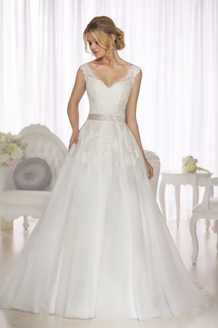 2019 Tulle Wedding Dresses V-neckline A Line With Applique US $ 269.00 LCPAHGS3Z2