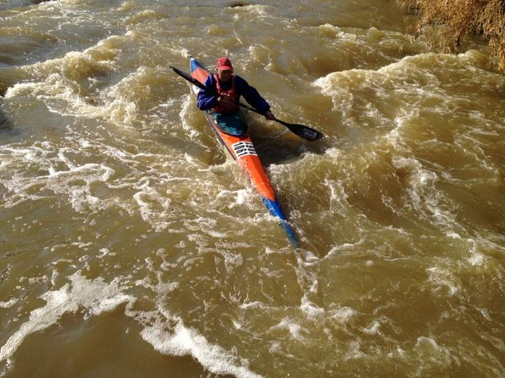Meyer Steyn leading the way down Jukskei on our river proficincies. Thanks Meyer. For more in speak to Chris. facebook.com/thekayakacademysouthafrica