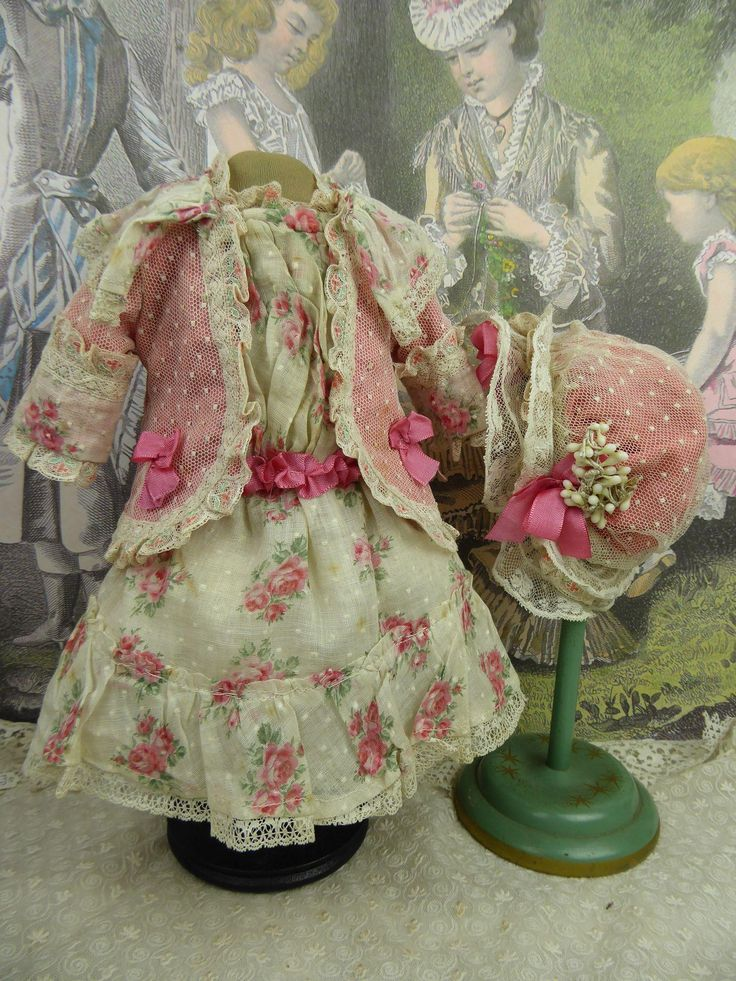 Marvelous French dotted and flowered muslin antique dolls dress with matching…