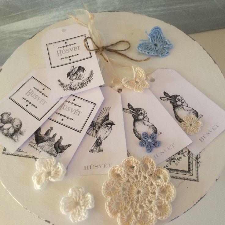 Húsvéti címkék, horgolt virágokkal
