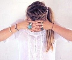 Loving this sporty hairstyle..  and loving the bling too xoxo