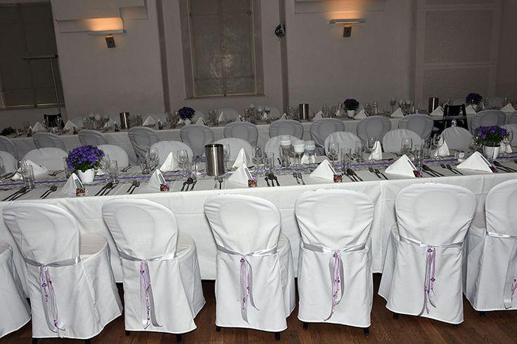 Hochzeitstafel mit Sesselhussen