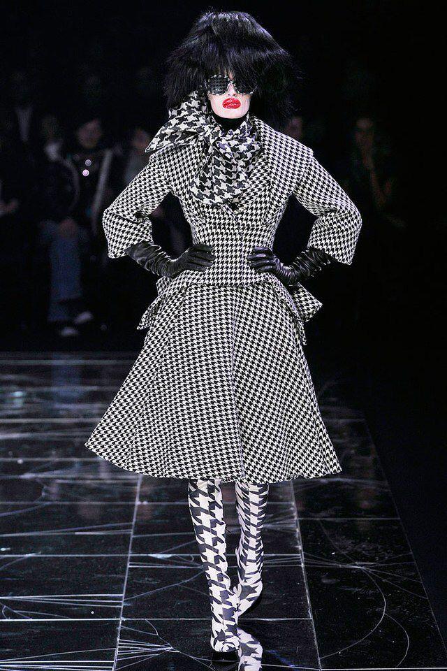 Alexander McQueen - Fall 2009 Ready-to-Wear