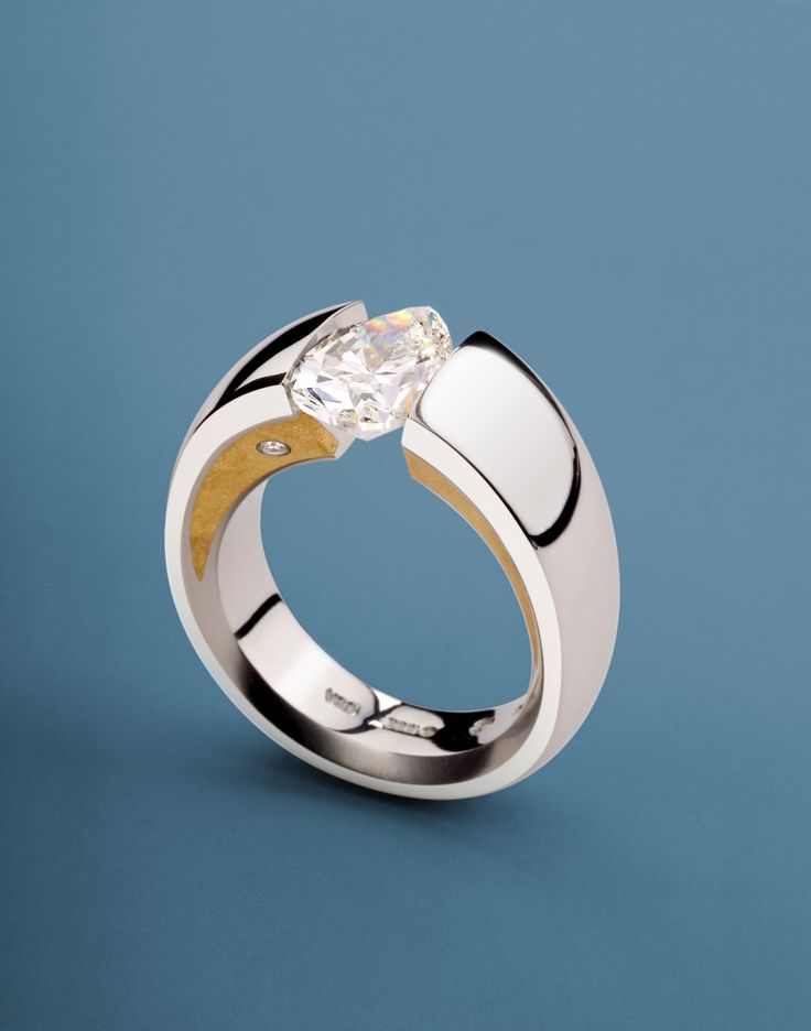 WUSH in Platinum with 24K Fine Crystallized Yellow Gold Inlay and single Diamond melee accent