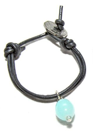 A pale blue bead enables colour-coordination with your wardrobe when you wear you favourite Wrist Button.