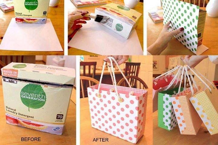 Reciclando cajas de cereal o detergente y convertirlas es bolsas para regalos.