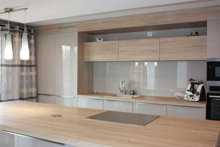 belle cuisine bois et taupe clair laqué